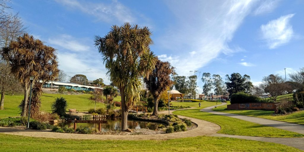 conveyancing solicitors giipsland and drouin warragul for section 32 contracts